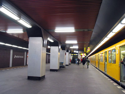 urbanrail net u bahn berlin line u8 wittenau hermannstra e. Black Bedroom Furniture Sets. Home Design Ideas