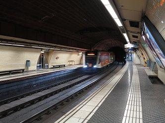 urbanrail net barcelona metro l6 pl catalunya reina elisenda. Black Bedroom Furniture Sets. Home Design Ideas
